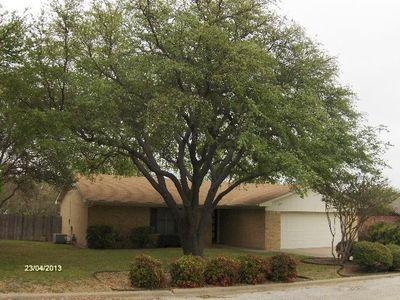 210 Shoshone St, Comanche, TX