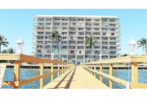 3040 Lake Shore Dr Apt 603, Riviera Beach, FL 33404