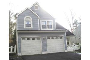 718 Whalers Cove Ct, Absecon, NJ 08205