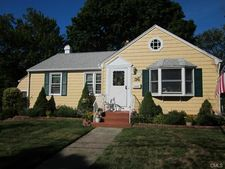 36 Rochdale Ter, West Haven, CT 06516