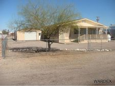 746 W Comanche Dr, Quartzsite, AZ 85346