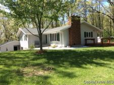 10718 Emmerson Airline Rd, Palmyra, IL 62674