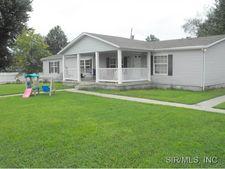 1021 Terry St, Centralia, IL 62801