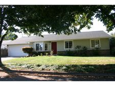 3285 Redwood Dr, Springfield, OR 97478