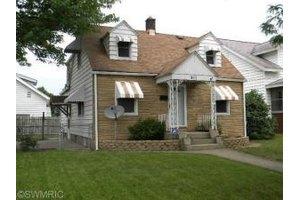 911 Butterworth St SW, Grand Rapids, MI 49504