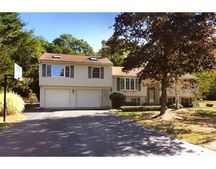 11 Crescent Dr, Georgetown, MA 01833