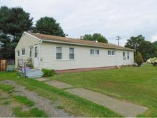 4 Sutton Rd, Maine, NY 13802