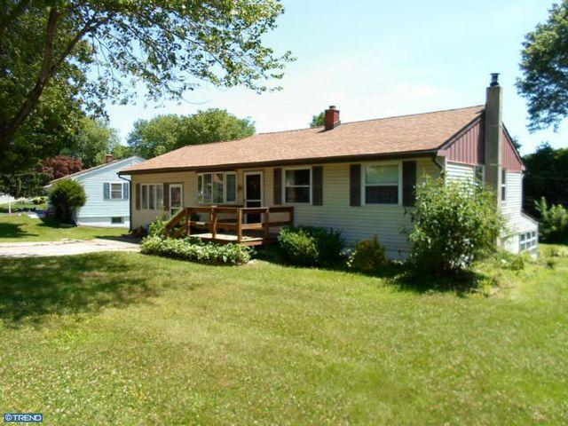 2241 Springhouse Ln, Aston, PA