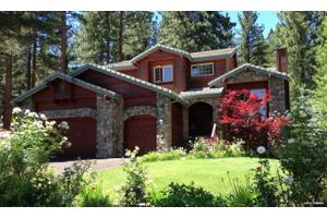 905 Yellow Pine Rd, Reno, NV 89511