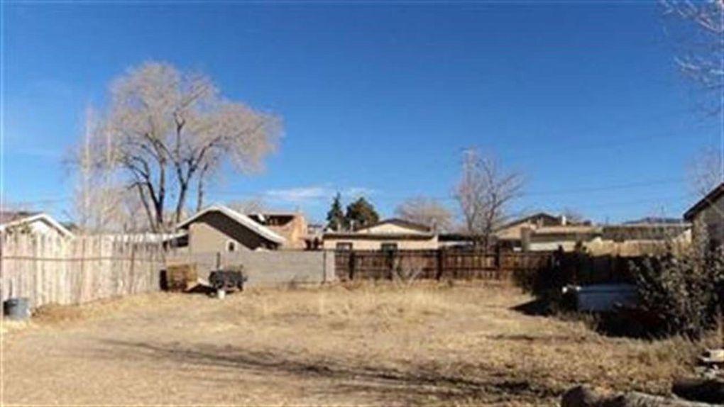 728 Camino Porvenir Santa Fe, NM 87505