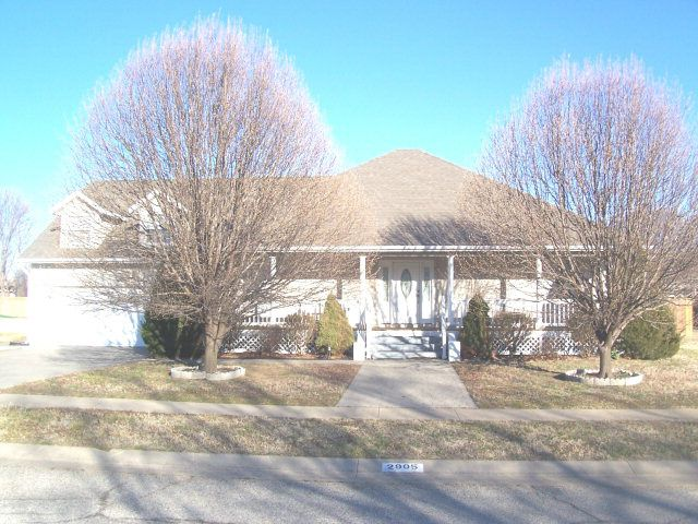 2905 Woodgate Ter, Pittsburg, KS 66762