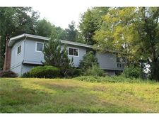 23 Wits End, Spring Valley, NY 10977