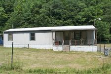 568 Right Fork Of Sycamore Rd, Ashcamp, KY 41512