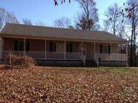 77 Sue Ln, Farmville, VA 23901