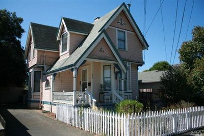 1050 14th St, Santa Rosa, CA