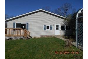 4017 Seneca Rd, Wonder Lake, IL 60097