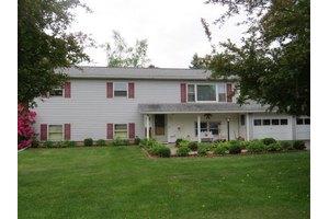 390 Raecrest Cir, Elmira, NY 14904