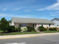 8905 Seaview Ave, Wildwood Crest, NJ 08260