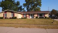 1409 Meadow Wood Dr, Fairborn, OH 45324
