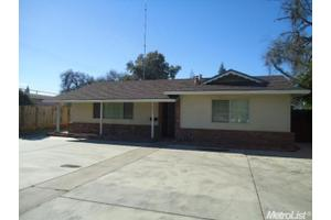1217 College Ave, Modesto, CA 95350