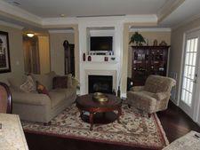 6107 Harcourt Rd, Clifton, NJ 07013