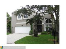 5581 Nw 106th Dr, Coral Springs, FL 33076