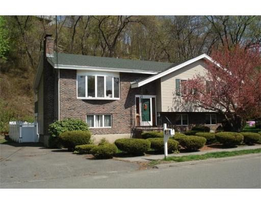 15 Pemberly Dr, Saugus, MA 01906