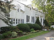 60 County Rd, Demarest, NJ 07627