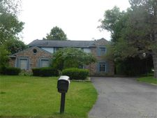 2124 Hidden Lake Dr, West Bloomfield Township, MI 48324
