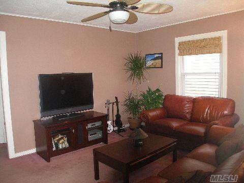 1511 estelle ave elmont ny 11003. Black Bedroom Furniture Sets. Home Design Ideas