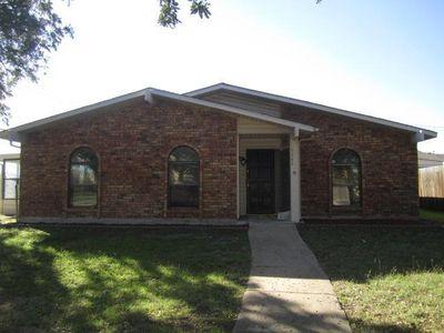 5242 Silver Trl, Grand Prairie, TX