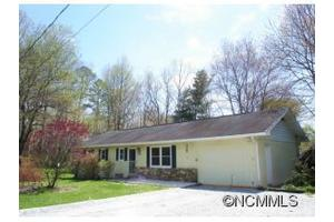 108 Joanne Ln, Hendersonville, NC 28792