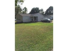 704 Nw 10th St, Bentonville, AR 72712