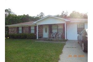 507 N Jefferson St, Lyons, GA 30436