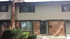 7346 Country Creek Way Unit 8, Downers Grove, IL 60516