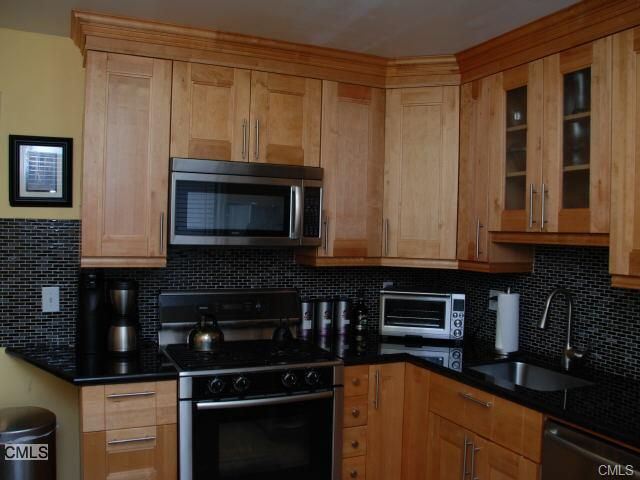 Home for rent 2612 north ave unit f4 bridgeport ct for New kitchen bridgeport ct