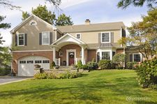 582 Golfview Dr, North Barrington, IL 60010