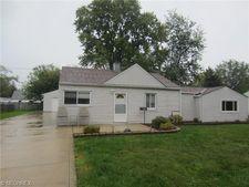 4861 Belle Meadow Rd, Mentor, OH 44060