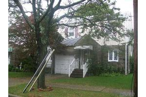 256-11 87th Ave, Floral Park, NY 11001