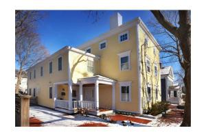 9 Orange St # 2, Newburyport, MA 01950