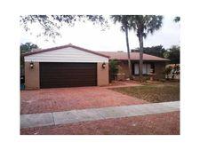 6330 Hutchinson Rd, Miami Lakes, FL 33014