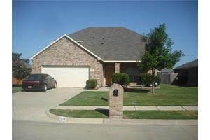 135 Lexington Dr, Terrell, TX 75160