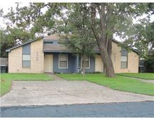 2305 W Creek Ln, College Station, TX 77845