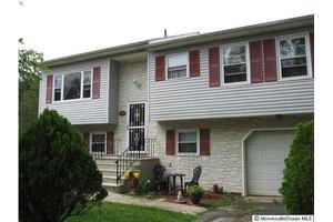 719 Green Grove Rd, Neptune Township, NJ 07753