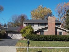1800 Clover Rd, Northbrook, IL 60062