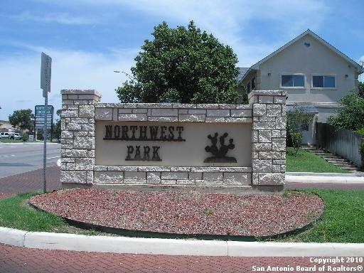 7335 Park West Dr, San Antonio, TX 78250