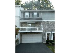 107 Roscommon Pl, Peters Twp, PA 15317
