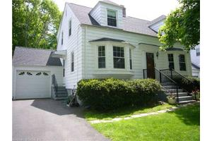 12 Van Rose Dr, North Haven, CT 06473