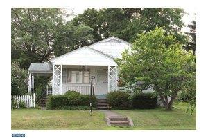 542 Washington St, East Greenville, PA 18041