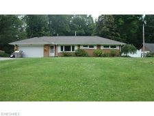 13009 Kenyon Dr, Chesterland, OH 44026